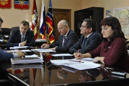 Член Совета Федерации Олег Цепкин и депутат Государственной Думы Олег Колесников посетили Трехгорный.