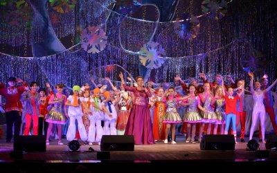 В ДК «Икар» состоялась «Новогодняя елка главы города для одаренных детей»